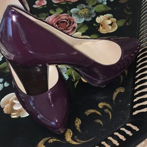 Calvin Klein wine colored  patent leather pump